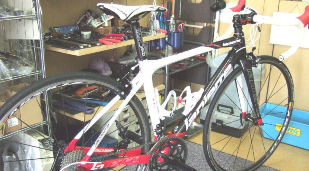 ロードバイクの耐久年数を延ばす洗車と、フレームのワックス掛け処理