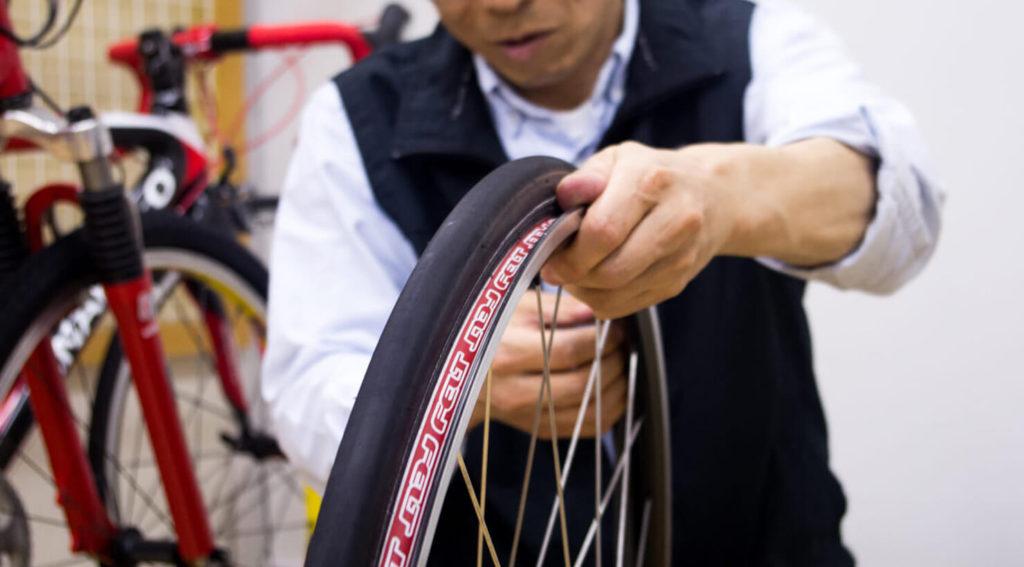 ロードバイクをもっと楽しく快適に乗っていただくために、パンク修理講習会スタート!