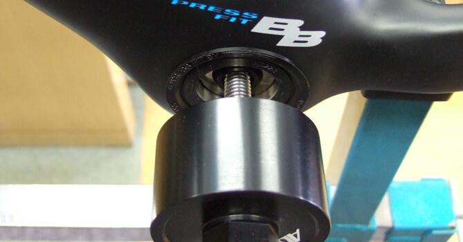 PF30の圧入式BBシェルでシマノコンポを換装するときの必要工具はどれか?